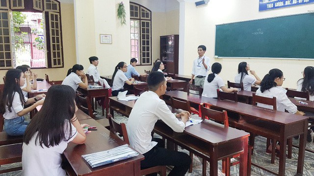 Các thí sinh tham dự kỳ thi THPT Quốc gia 2018 tại tỉnh Thừa Thiên Huế (ảnh: Đại Dương)