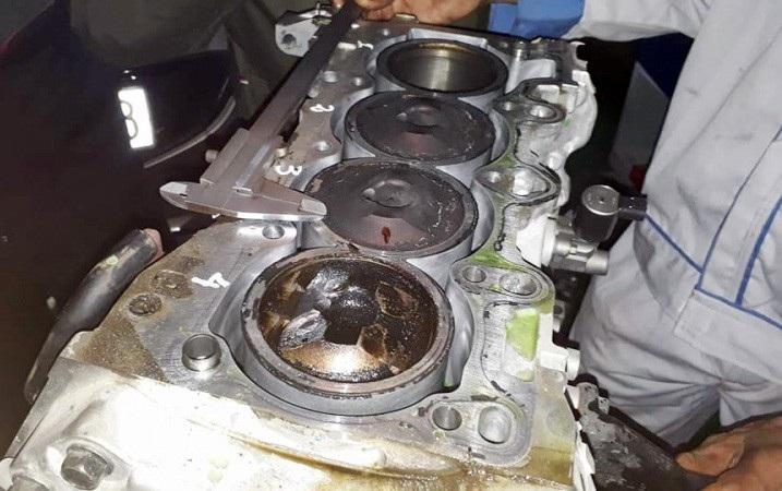 Động cơ của một chiếc Mazda bị thuỷ kích ở máy số 4.