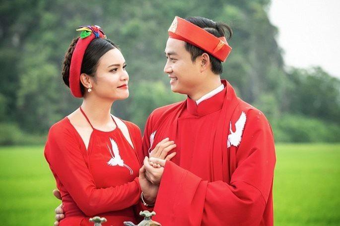 Mặc dù Tiến Lộc ít tuổi hơn Phạm Phương Thảo, nhưng cặp đôi được đánh giá xứng lứa vừa đôi, cả hai đóng cặp ăn ý.