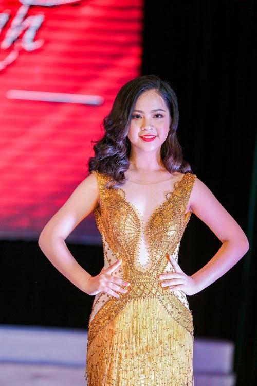 Không chỉ sở hữu nhan sắc yêu kiều, Nguyễn Hải Anh còn đạt nhiều thành tích cao trong học tập.