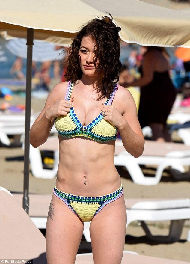 Jess Impiazzi từng chia sẻ, cô tập thể dục 7 ngày/tuần để dáng vóc được thon gọn