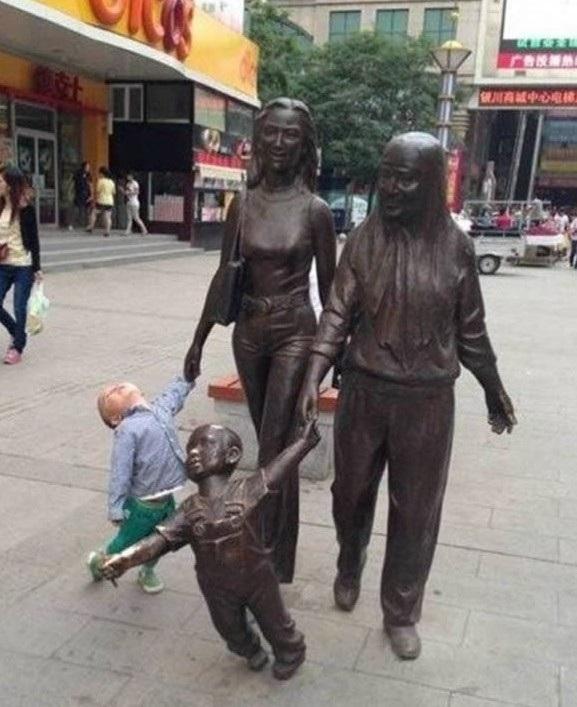"""""""Ủa, đây có phải mẹ mình đâu?"""""""