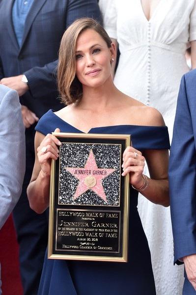 Vợ cũ tài tử Ben Affleck từng giành giải Quả Cầu Vàng, giải SAG Award và 4 đề cử giải Emmy