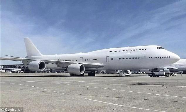 Theo Dailymail, Hoàng gia Qatar đã rao bán một chiếc chuyên cơ sang trọng trên trang web giao dịch hàng không Controller, ở mục máy bay cũ đã qua sử dụng.