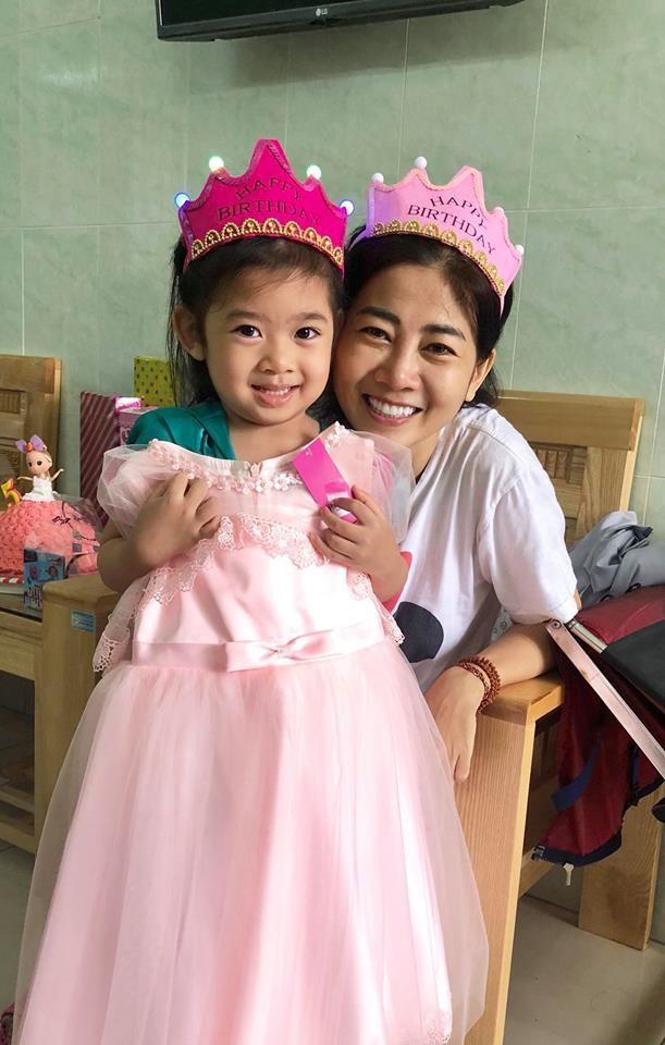 Từ khi Mai Phương bị bệnh, con gái cô được phải tạm thời nghỉ học và được một người quen chăm sóc. Ốc Thanh Vân còn chia sẻ cô dự định mang con gái Lavie về chăm sóc và cho bé đi học.