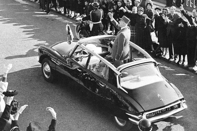 Ngày này năm xưa: Tổng thống Pháp thoát chết nhờ xe xịn - 3