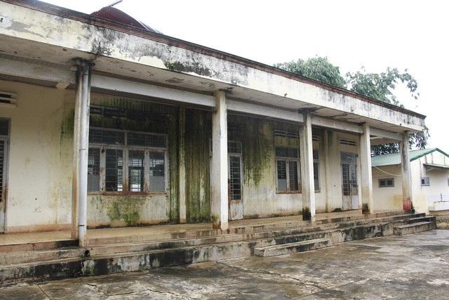 Một trường tiểu học trên địa bàn TP.Buôn Ma Thuột (Đắk Lắk) chậm trễ việc sửa chữa cơ sở vật chất đầu năm năm học 2017 - 2018 khiến phụ huynh bức xúc