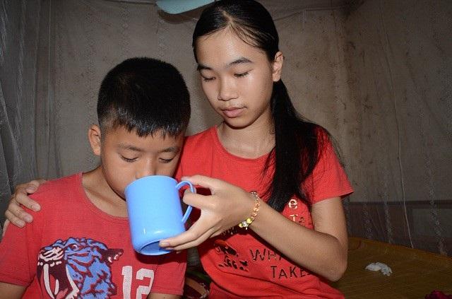 2 đứa con mà chị Hà đi xin những mong trông cậy lúc về già