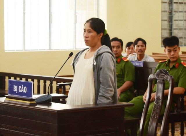 Bị cáo Nguyễn Thị Hằng Ni tại tòa.