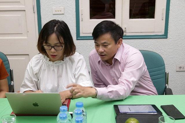 Ông Nguyễn Đình Anh, Vụ trưởng Vụ Truyền thông và Thi đua, khen thưởng Bộ Y tế tham gia Giao lưu trực tuyến, trả lời câu hỏi của bạn đọc về giải thưởng Nhân tài Đất Việt trong lĩnh vực y dược.