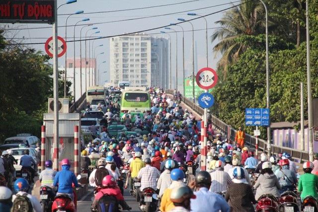 TPHCM đang gặp nhiều khó khăn trong giải quyết ùn tắc giao thông