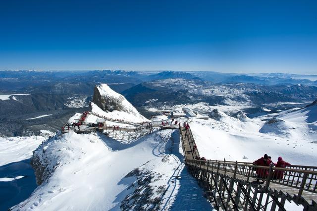 Núi tuyết Ngọc Long vốn là điểm du lịch hấp dẫn bậc nhất ở Vân Nam