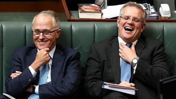 Ôông Scott Morrison (phải) sẽ trở thành thủ tướng mới của Australia, kế nhiệm Thủ tướng Malcolm Turnbull (trái) (Ảnh: AIM)