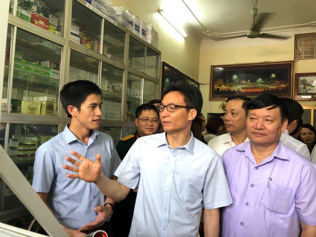 """Bộ trưởng Y tế: Việt Nam sẽ """"chia tay"""" hình ảnh mua thuốc dễ như mua rau - Ảnh 2."""