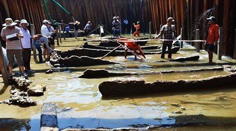 Phần đáy của con tàu cổ thế kỷ 13 phát hiện tại xã Bình Châu