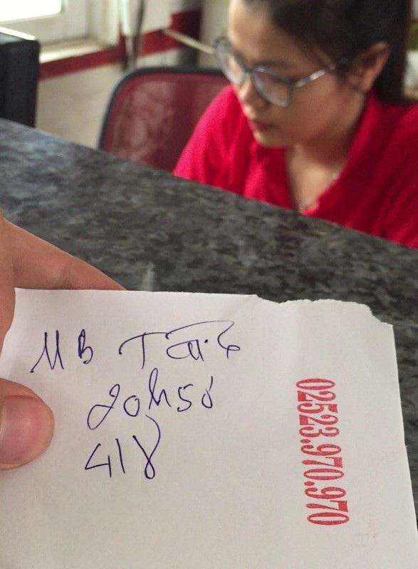 """Tờ """"giấy lộn"""" được phòng vé của Công ty TNHH Thương mại Dịch vụ Vận tải Đông Hưng bán ra cho khách tại thị trấn Phan Rí Cửa (huyện Tuy Phong). Ảnh: Đại Việt"""