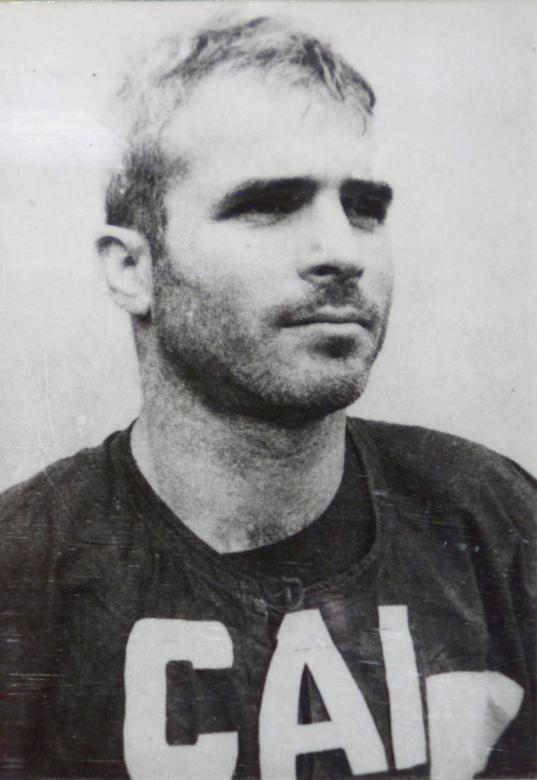 Bức ảnh chụp ông McCain năm 1967 tại nhà tù Việt Nam.