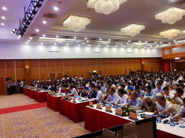 Hội nghị còn có sự tham dự của đại diện lãnh đạo các Bộ, Ngành; lãnh đạo các ngân hàng thương mại, các hiệp hội, các tổ chức quốc tế, tổ chức tín dụng cùng hơn 700 Tổng công ty, tập đoàn, doanh nghiệp trong và ngoài tỉnh đã, đang và sẽ đầu tư vào Quảng Bình.