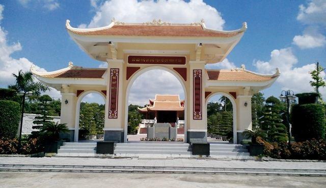 Khu tưởng niệm Chủ tịch Hồ Chí Minh tại tỉnh Cà Mau.