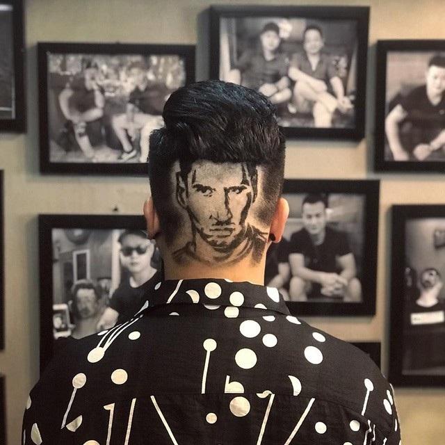 Chân dung của ngôi sao bóng đá Lionel Messi do Tuấn tạo hình