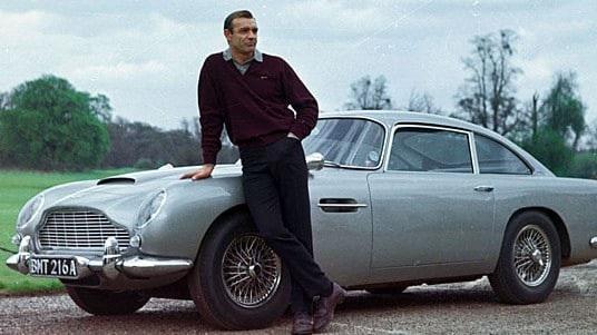 Aston Martinhồi sinh chiếc xe huyền thoại của James Bond - 1