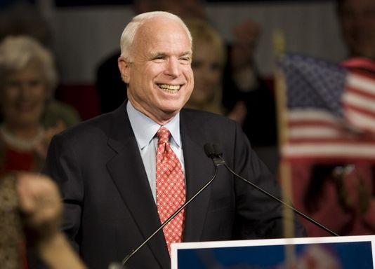 Thượng nghị sĩ quá cố John McCain (Ảnh: AZR)