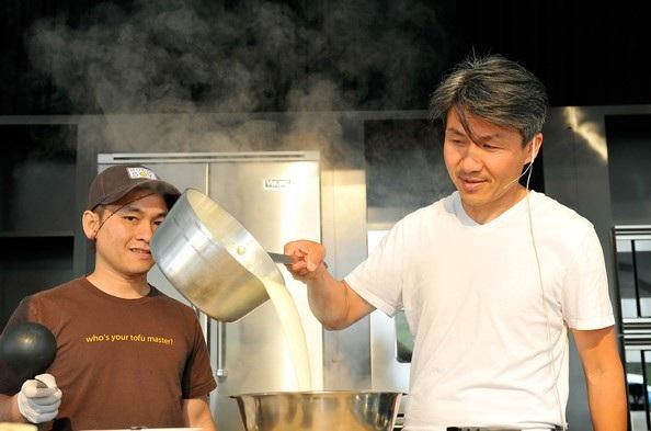 Việt kiều Mỹ thu về 15 triệu USD/năm từ sản xuất đậu phụ - 3