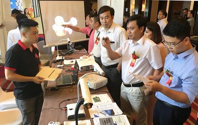 Máy chiếu vật thể - công nghệ hỗ trợ giáo dục tiên tiến của Nhật Bản đã có mặt tại Việt Nam - 2