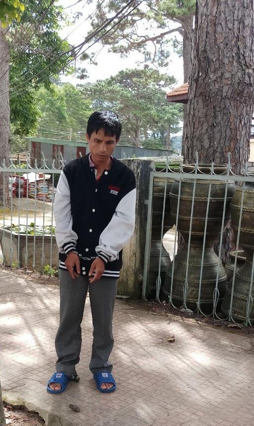 Nguyễn Văn Thọ thực nghiệm lại hành vi đột nhập vào vào bệnh viện trộm cắp tài sản