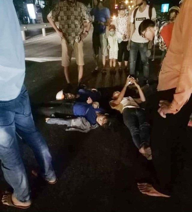 Các nạn nhân trên xe máy