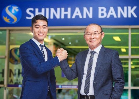 Ngân hàng Shinhan đồng hành cùng HLV Park Hang-seo và cầu thủ Lương Xuân Trường tại ASIAD18