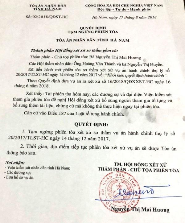 Người dân khởi kiện UBND huyện Thanh Liêm: Tòa ra quyết định tạm ngừng phiên tòa - Ảnh 1.