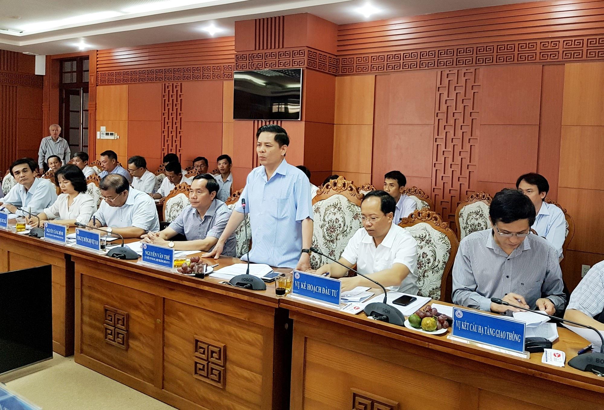 Bộ trưởng GTVT Nguyễn Văn Thể làm việc với các địa phương và chủ đầu tư dự án cao tốc Đà Nẵng – Quảng Ngãi sáng 3/8