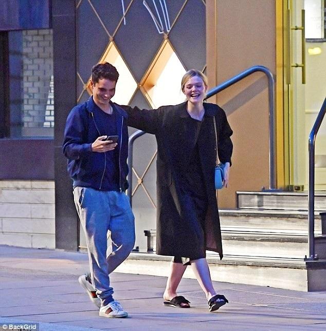 Nữ diễn viên 20 tuổi và bạn trai 32 tuổi bị đồn đại hẹn hò từ đầu năm