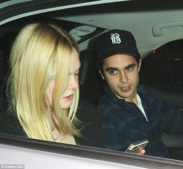 Max từng hò hẹn với diễn viên Kate Mara và Leigh Lezark trong quá khứ