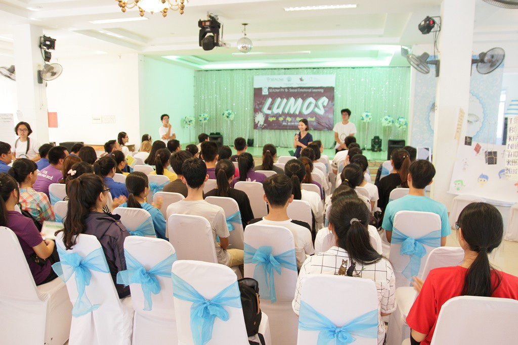 Nhiều học sinh tại Huế hào hứng đến tham dự 5 workshop về Giáo dục cảm xúc