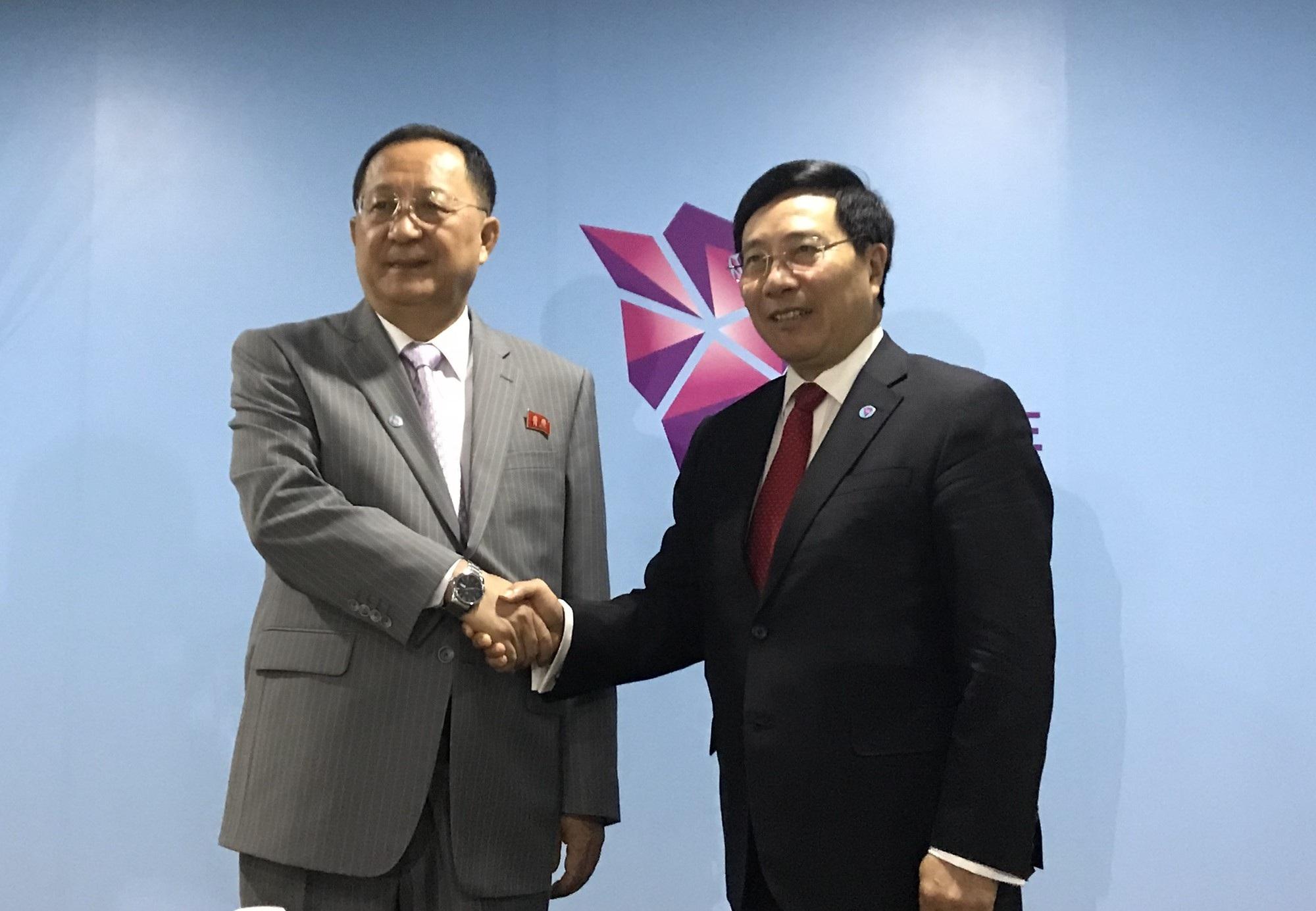 Phó Thủ tướng Phạm Bình Minh và Bộ trưởng Ngoại giao Triều Tiên