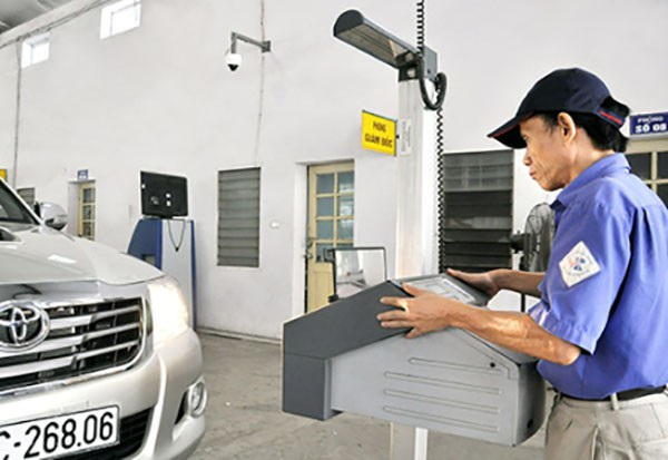 Hiện tại không có các quy định cụ thể về việc xe máy đang lưu hành phải kiểm định về khí thải định kì như ôtô.