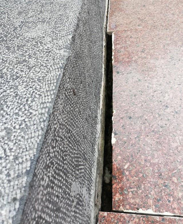 Một phần tượng đài nữ anh hùng liệt sĩ Lê Thị Riêng xuống cấp tại Bạc Liêu! - Ảnh 7.