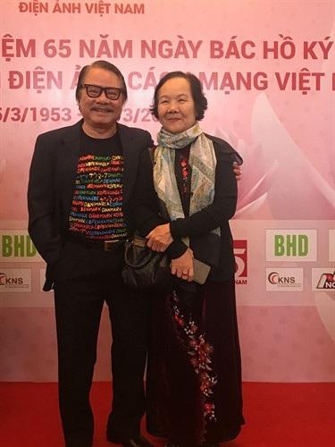 Nghệ sĩ Bùi Cường và Đức Lưu gặp lại nhau trong dịp kỷ niệm 65 năm Điện ảnh cách mạng Việt Nam.