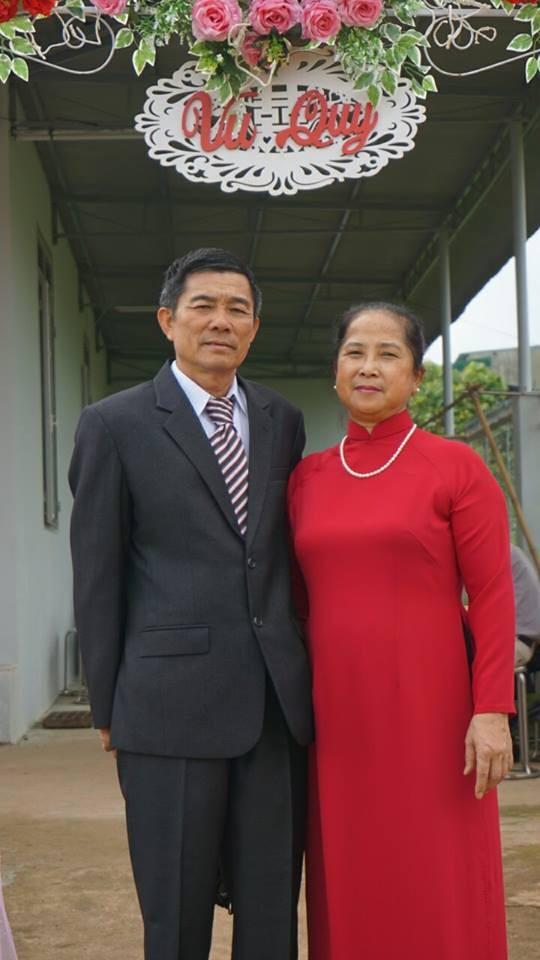 Cô Khuê và chồng trong ngày cưới con gái