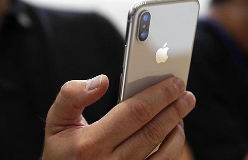 iPhone X thế hệ 2018 là dòng sản phẩm được mong đợi nhất năm, nhưng có khả năng sẽ bị trì hoãn do gặp phải vấn đề từ chuỗi cung ứng linh kiện.