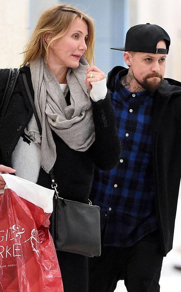 Nữ diễn viên Cameron Diaz và nghệ sĩ ghita Benji Madden