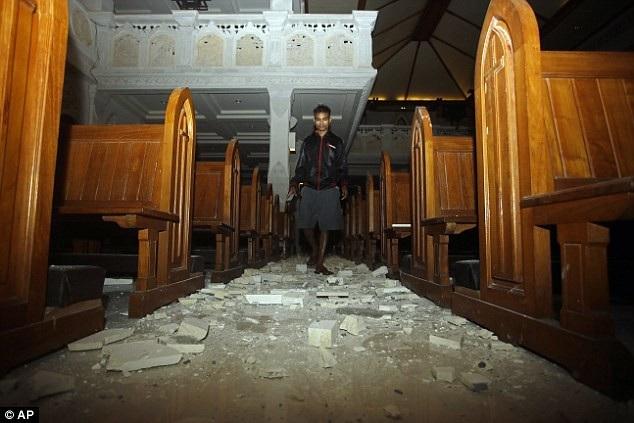 Trận động đất xảy ra chỉ một tuần sau trận động đất 6,4 độ Richter ở Lombok khiến 16 người thiệt mạng. Đây là đảo du lịch khá nổi tiếng ở Indonesia cùng với đảo Bali. (Ảnh: AP)