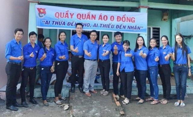 Các bạn trẻ trong nhóm Trần Văn Ơn tham gia rất nhiệt tình.
