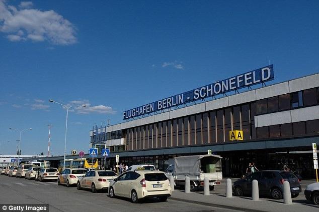Sân bay quốc tế Schönefeld ở Berlin, Đức phải tạm đóng cửa nhà ga D vì lý do nhầm lẫn