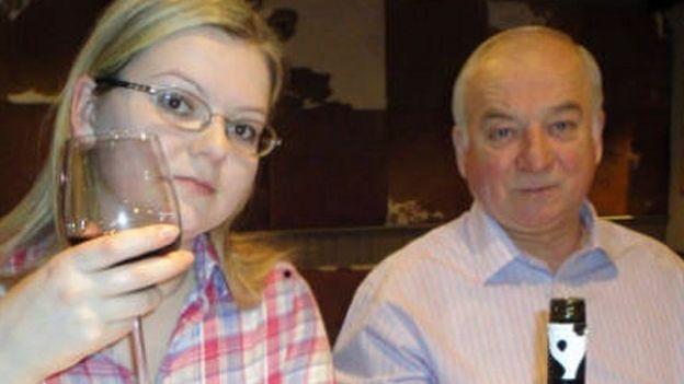 Cha con cựu điệp viên Nga Sergei Skripal (Ảnh: Rex)
