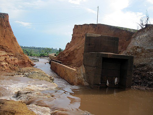 Hiện trường vụ vỡ đập thủy điện năm 2014.