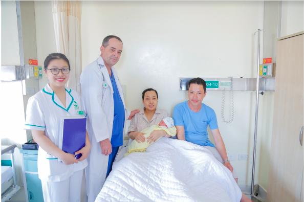 Hành trình vượt cạn thành công của gia đình chị Ngoan