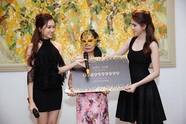 """Người mua SIM """"khủng"""" của """"nữ hoàng nội y"""" Ngọc Trinh với giá 18,5 tỷ đồng đeo mặt nạ khiến nhiều người hoài nghi đây chỉ là một chiêu PR"""
